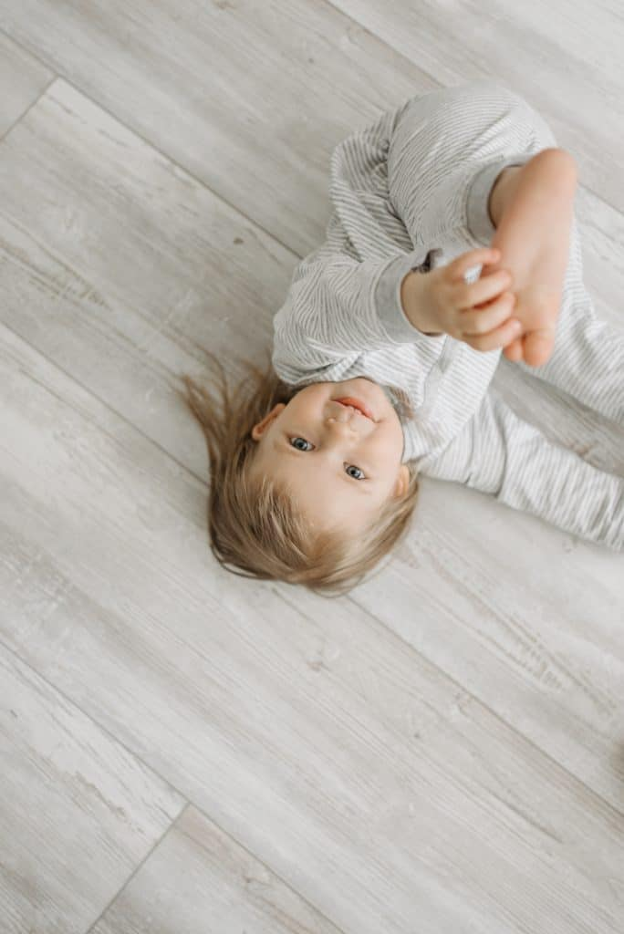 a clear picture for a toddler - girl