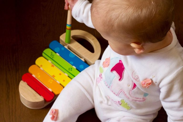 Smells Be Gone: Here Are The 5 Best Baby Diaper Pail Deodorizers